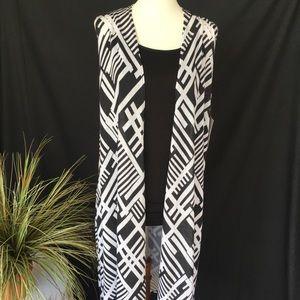 New! LuLaRoe Joy Black & White Vest SZ Small 6/8